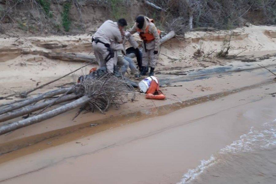 Prefectura rescató a tres hombres en el río Paraná