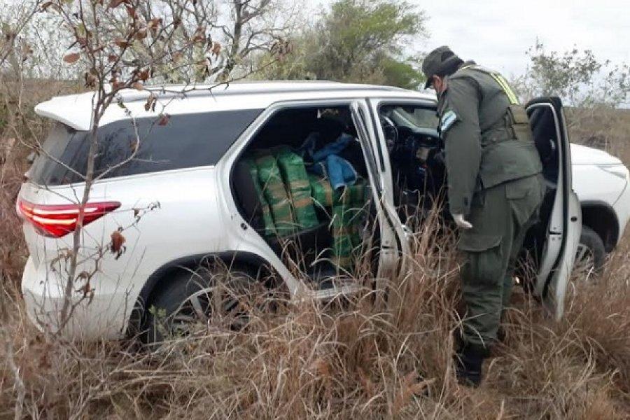 Itatí: Abandonan una camioneta con 706 kilos de marihuana