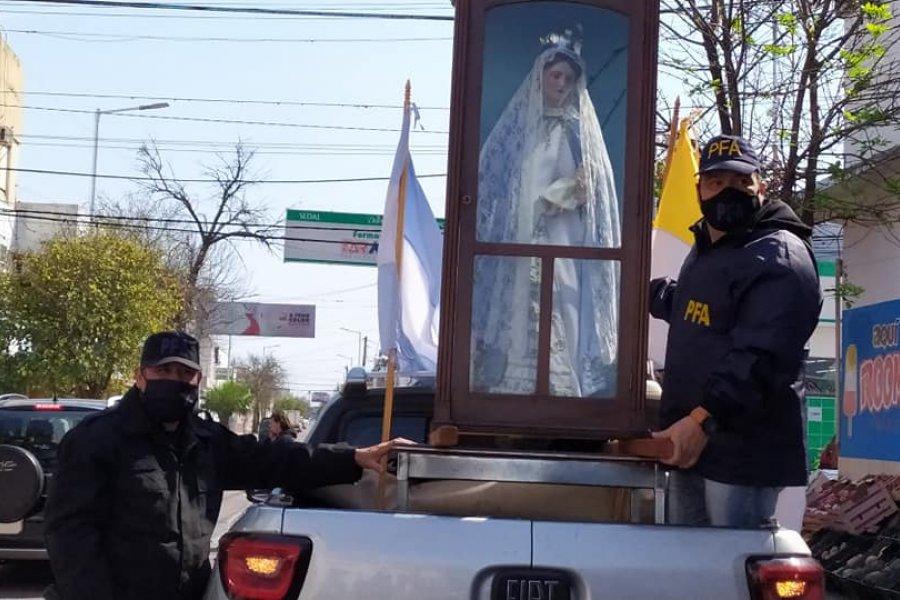 La Policía Federal recibió la imagen de la Virgen del Rosario