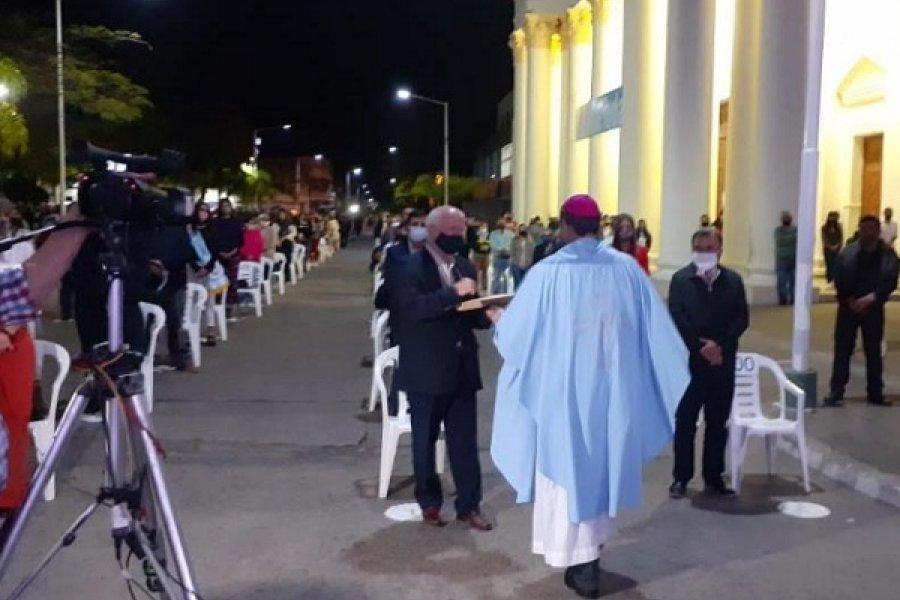 Goya: Monseñor Canecin entregó al Intendente la Encíclica del Papa Francisco
