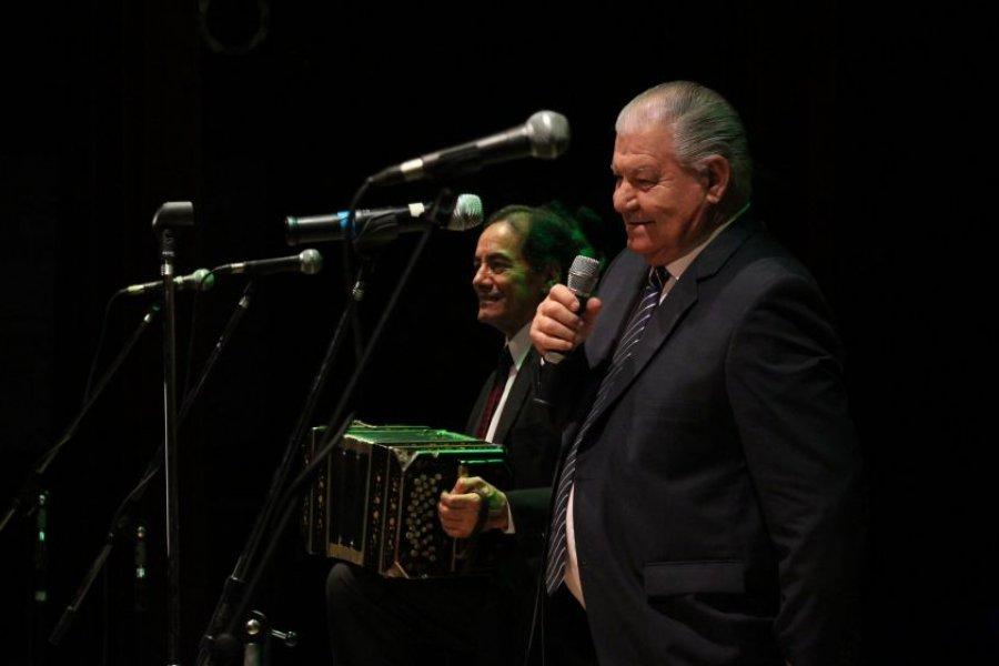 La Peña de la Ciudad homenajeará al recordado poeta Juan Carlos Jensen