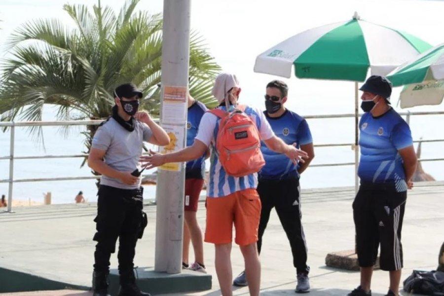 Escándalo en la playa con un hombre que intentó entrar sin permiso