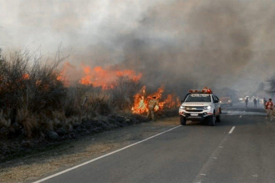 Más de 50 personas fueron evacuadas por un incendio en el suroeste de Córdoba