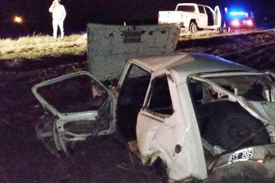 Tres heridos y un auto destrozado tras un choque en la ruta 27