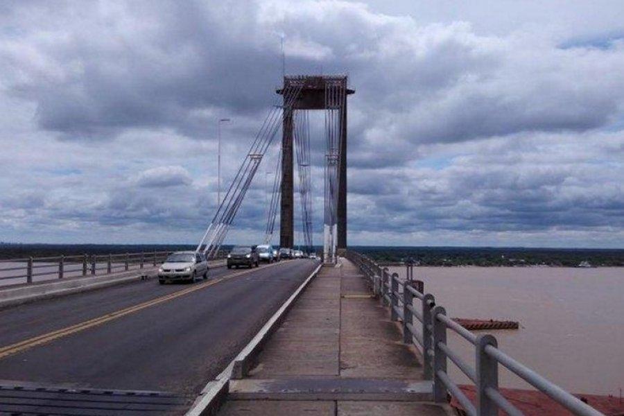 Policías impidieron que una mujer se arroje del Puente General Belgrano