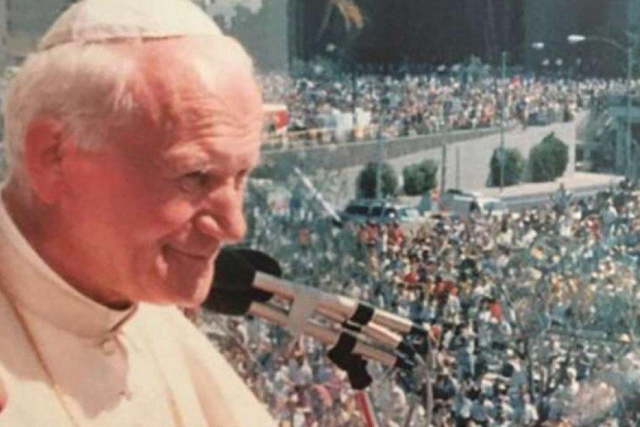 El día en que San Juan Pablo II cantó una de sus canciones favoritas en español