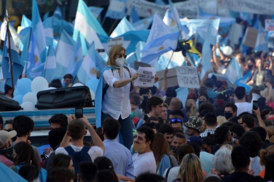 Participaron del banderazo y después fueron a hisoparse gratis para ver si estaban contagiados
