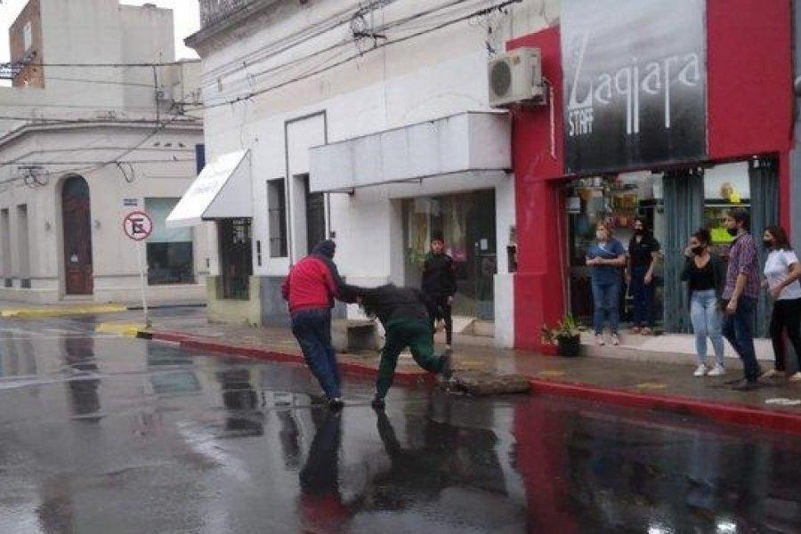 Brutal agresión a una enfermera en pleno centro de Corrientes