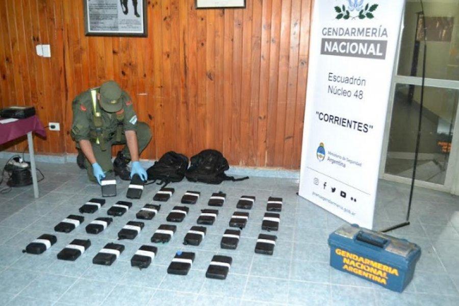 Narcotráfico: En Corrientes decomisaron más de 28 kilos de cocaína trasladada en un auto