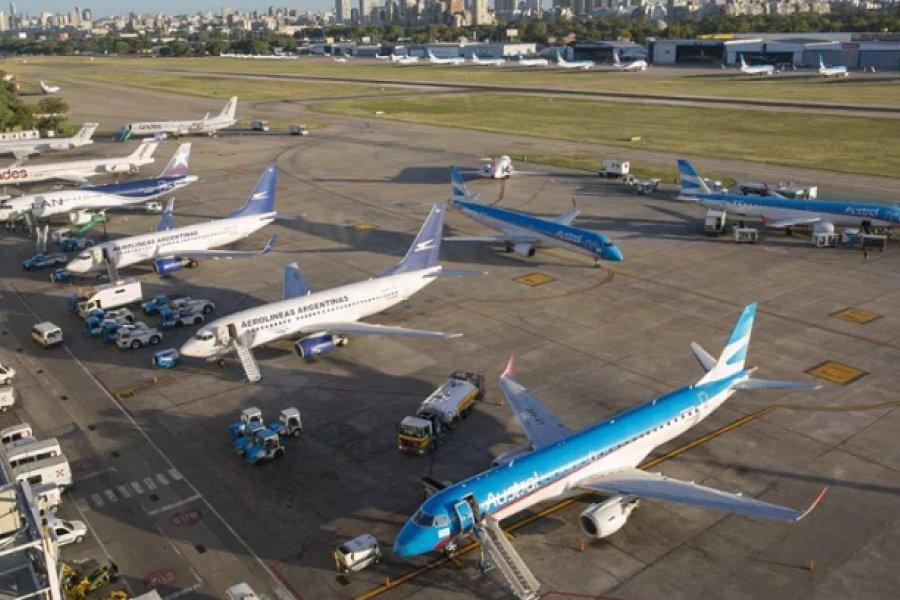 Oficializaron la vuelta de los vuelos de cabotaje: ¿quiénes están habilitados a viajar?