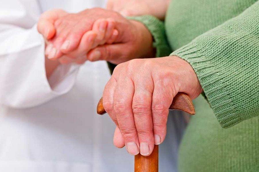 Corrientes: Trabajadoras de hogares de ancianos reciben $6.000 de sueldo sin obra social, ART ni aporte jubilatorio