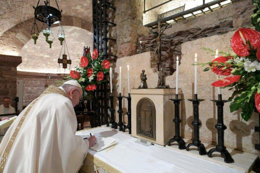Alarma en torno al papa Francisco por un caso positivo en Santa Marta