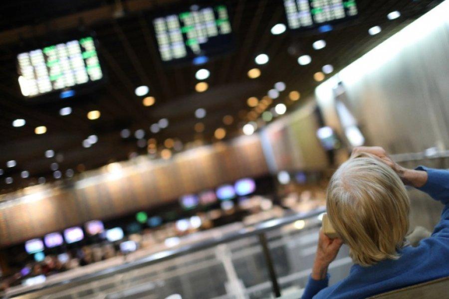 Las tres medidas para bajar el dólar contado con liquidación