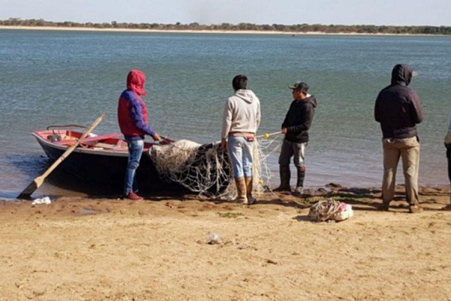 Naufragio en el Paraná: Limpian la zona de búsqueda