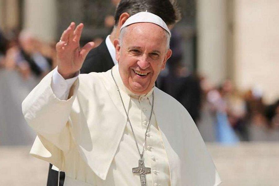 El Papa alienta unión civil para parejas homosexuales, un cambio de postura del Vaticano
