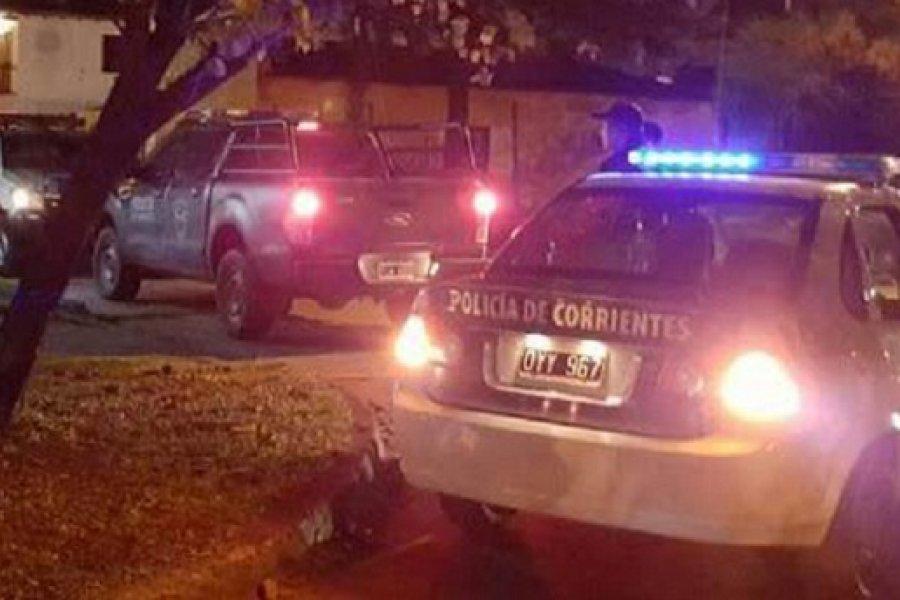 Delincuentes robaron moto, dinero y joyas en una entradera