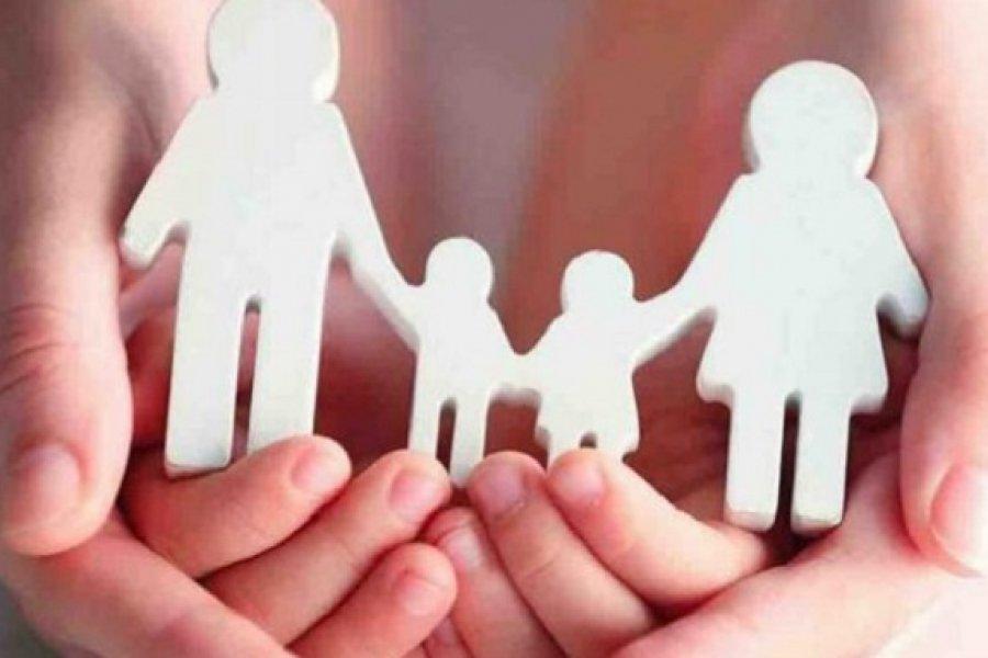 Dos hermanitas buscan una familia que les brinde amor