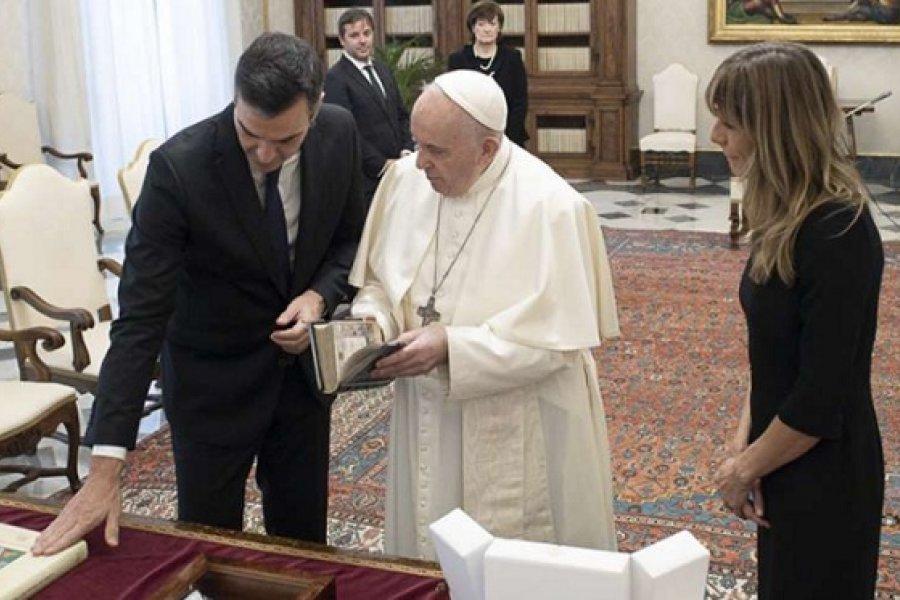 Las ideologías sectarizan y deconstruyen la patria, dice el Papa al presidente de España