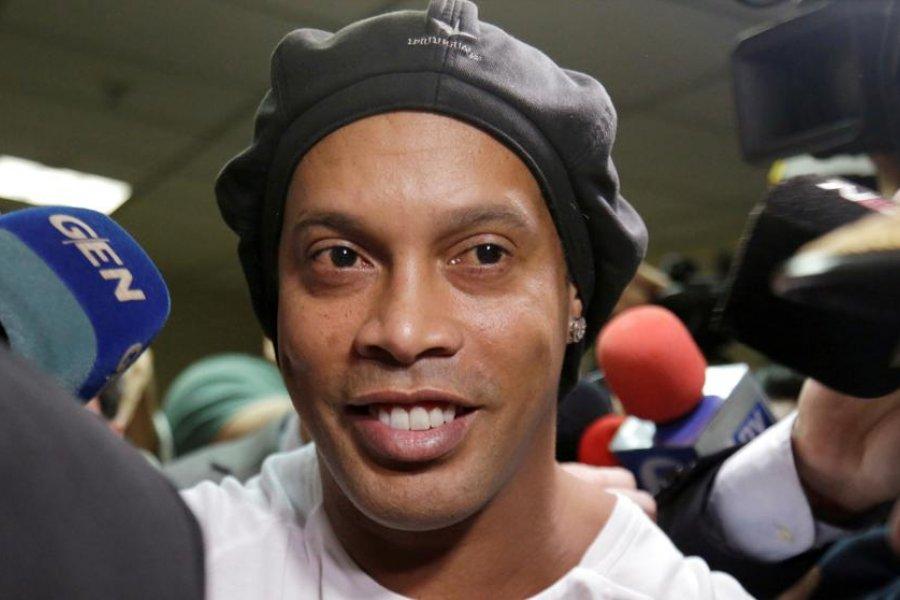 Ronaldinho confirmó que tiene coronavirus