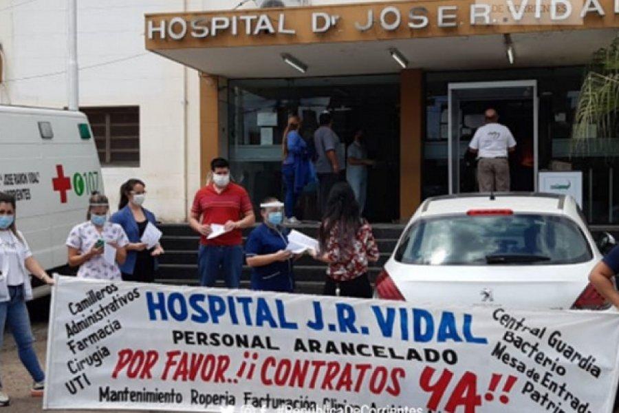 Trabajadores de la salud realizaron abrazo simbólico al Hospital Vidal