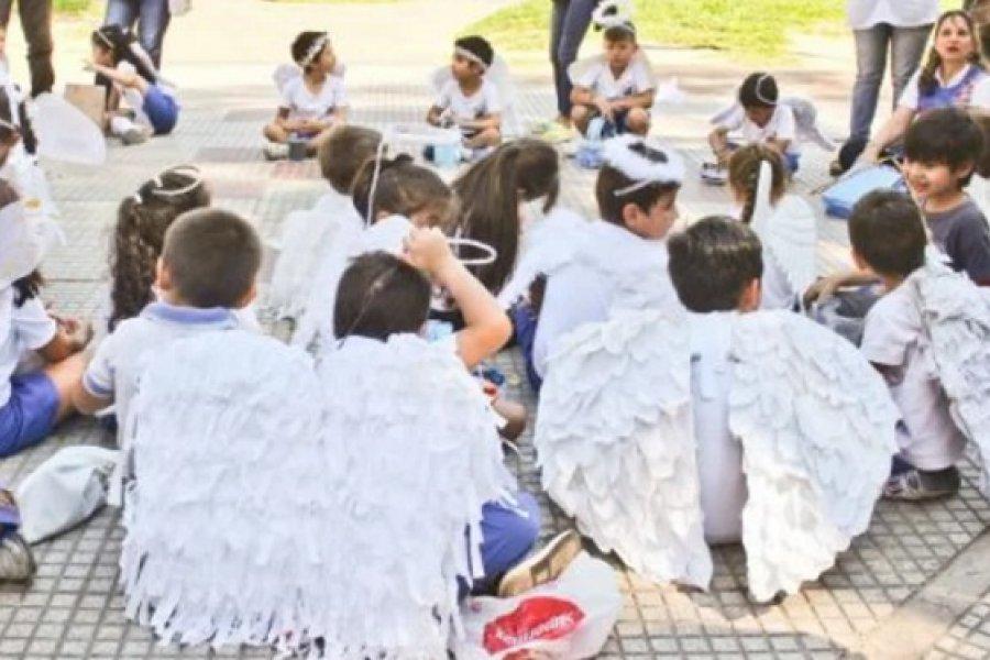 Ángeles Somos: Intercambios de imágenes por obsequios
