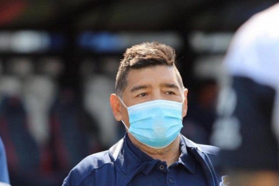 Maradona aislado por posible caso de Coronavirus