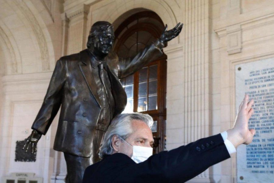 "Alberto Fernández inauguró la estatua Kirchner: ""Vamos a poner de pie a la Argentina como Néstor me enseñó"""