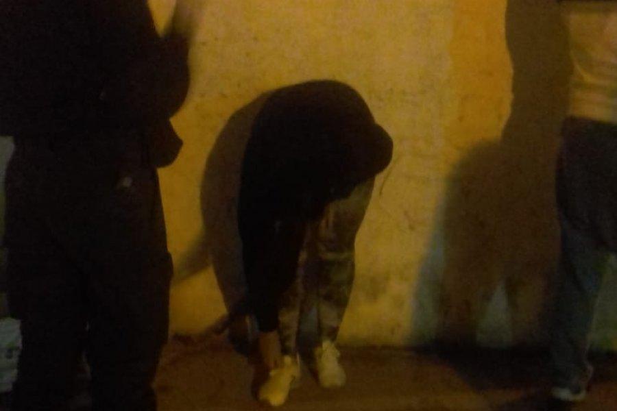 Detuvieron a dos mujeres que robaron dinero y un celular