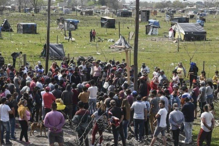 Guernica: El fiscal dijo que hay 35 detenidos y que hallaron facas y hierros clavados en el barro