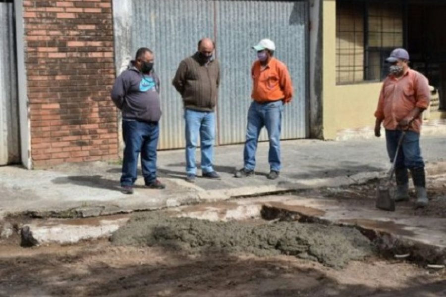 Obras Públicas sigue con bacheo en Mercedes