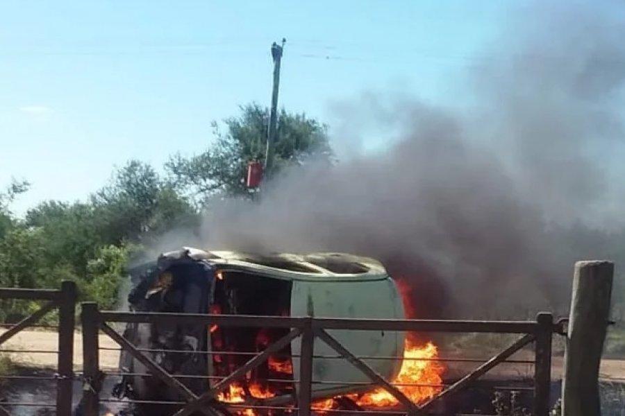 Un hombre resultó herido tras chocar e incendiarse su auto