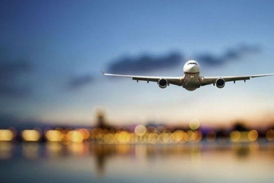 Brote de coronavirus en un vuelo: Hubo contagios de 59 personas hasta 17 días después del viaje