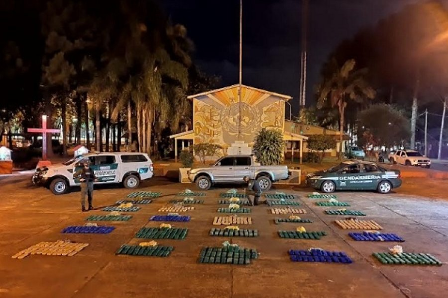 Misiones: Circulaba con más de 407 kilos de marihuana acondicionados en una camioneta
