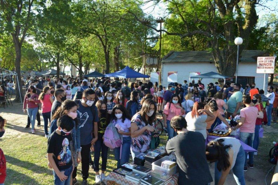 Suspendieron un evento en el Parque Mitre por la aglomeración que generó