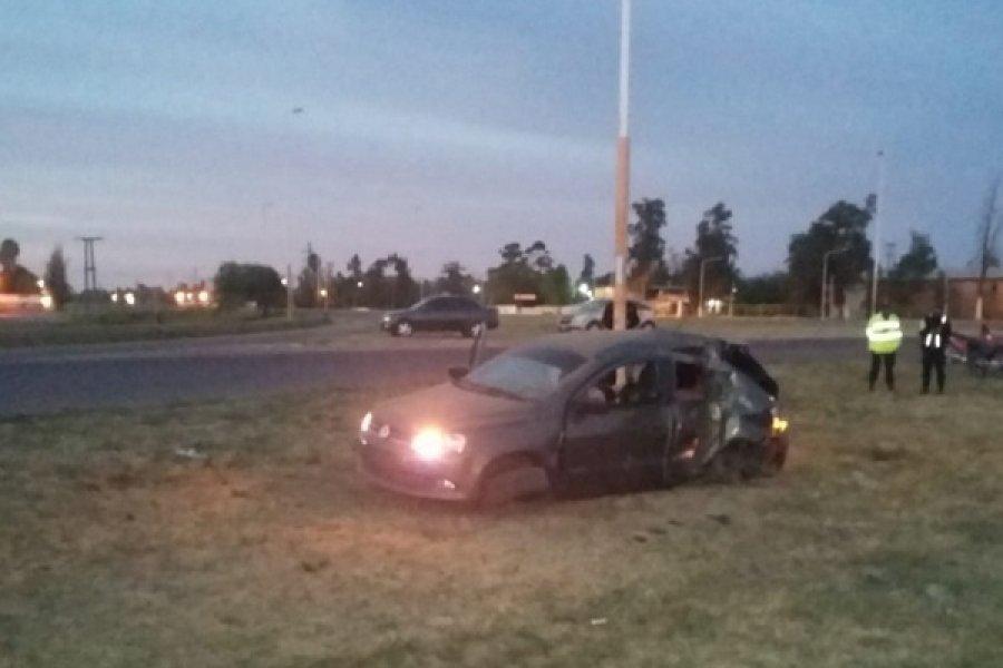 Sáenz Peña: Dos muertos al chocar un auto contra un poste de luz