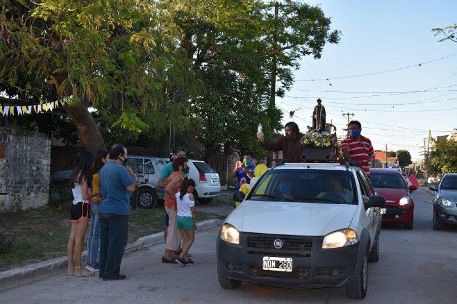 Caravana por San Martín de Porres en el barrio Bañado Norte