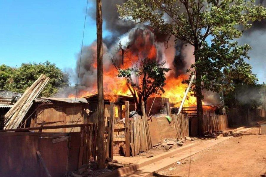 Un incendió consumió tres viviendas en Virasoro