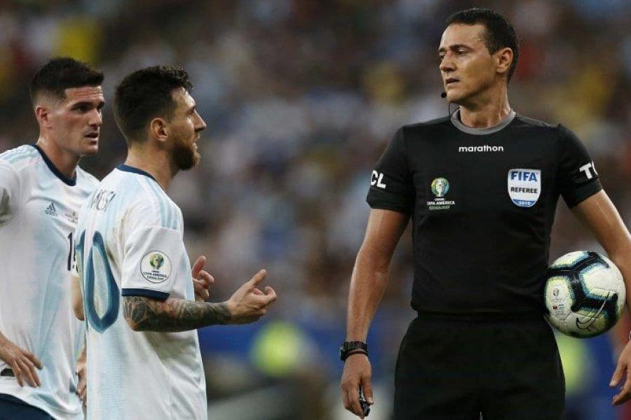 Los árbitros de la Selección Argentina serán Raphael Claus y Wilmar Roldán