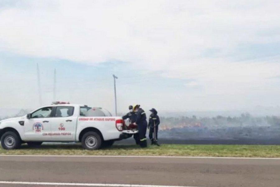 Bomberos de Itatí e Itá Ibaté combatieron un siniestro con apoyo de avión hidrante
