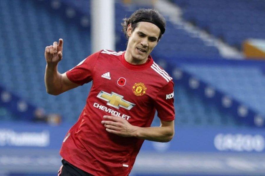 Manchester United derrotó a Everton con el debut goleador de Cavani en Premier League