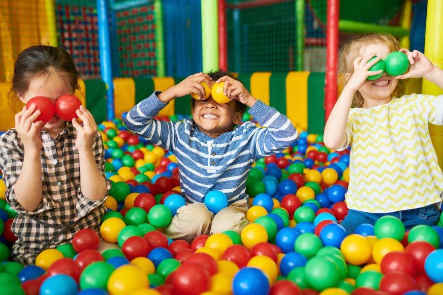 Goya habilitó los juegos infantiles en plazas y peloteros
