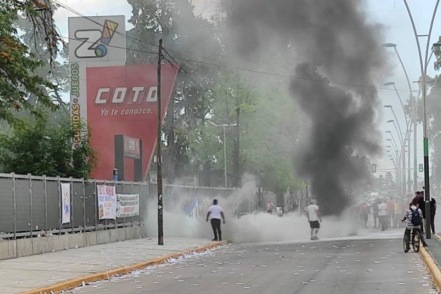 Personal de seguridad de COTO golpeó a una delegada que reclamaba el bono para los mercantiles