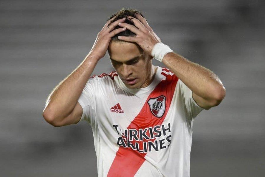 Santos Borré tiene coronavirus pero llegaría al partido con Paranaense