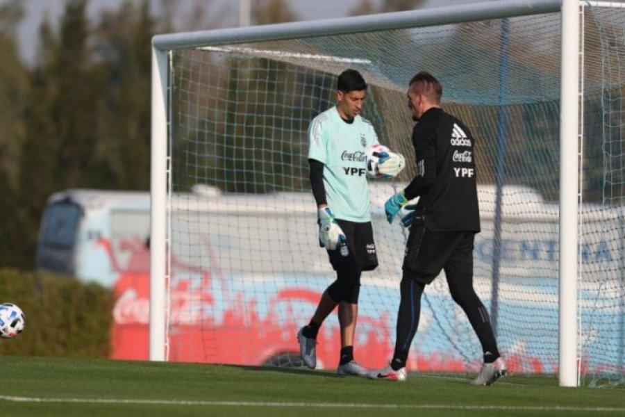 Scaloni convocó a tres jugadores del fútbol local