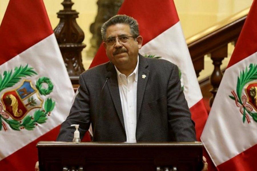 Perú: Merino asume la presidencia tras la destitución de Vizcarra