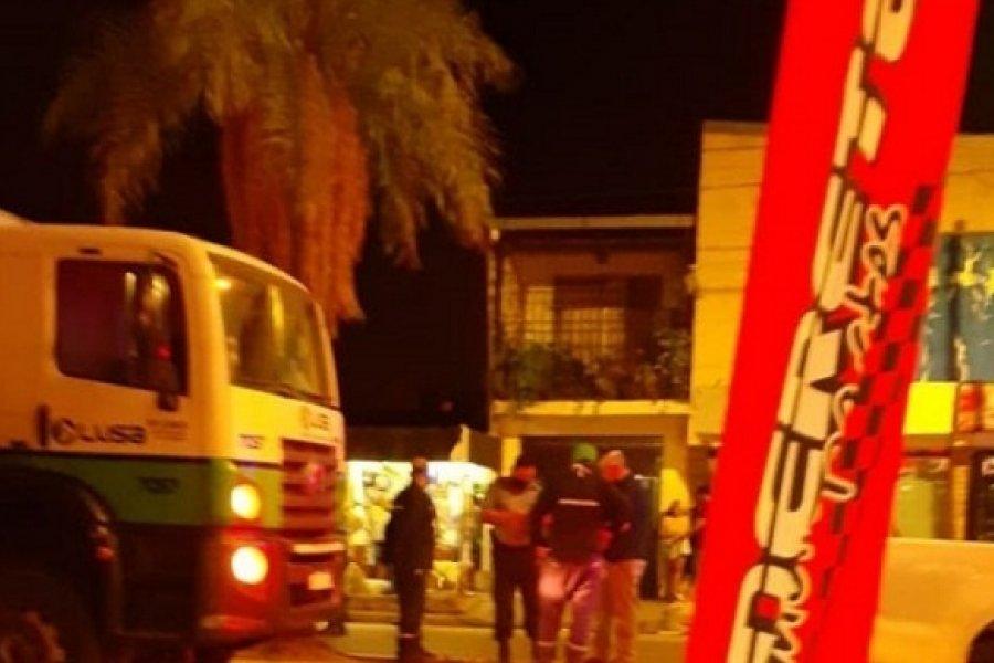 Cuatro operarios lesionados tras un choque entre dos camiones recolectores