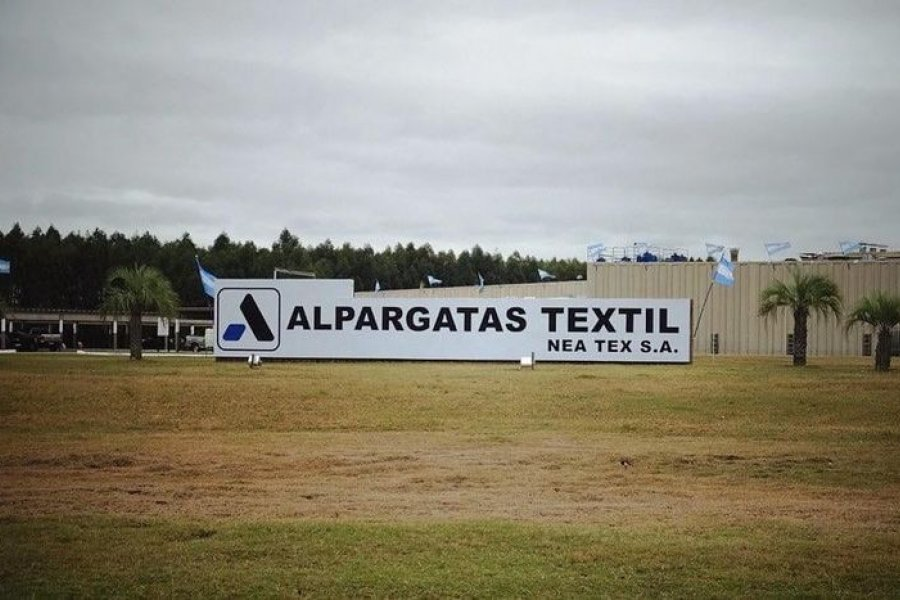 Detectaron más de 15 casos de coronavirus en empresa textil Alpargatas