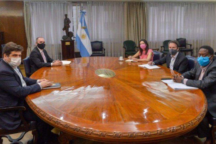 Guzmán y Chodos recibieron a la delegación del FMI