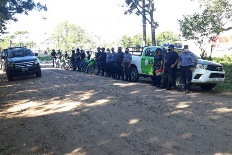 La policía interrumpió una reunión clandestina en el barrio Santa Rita