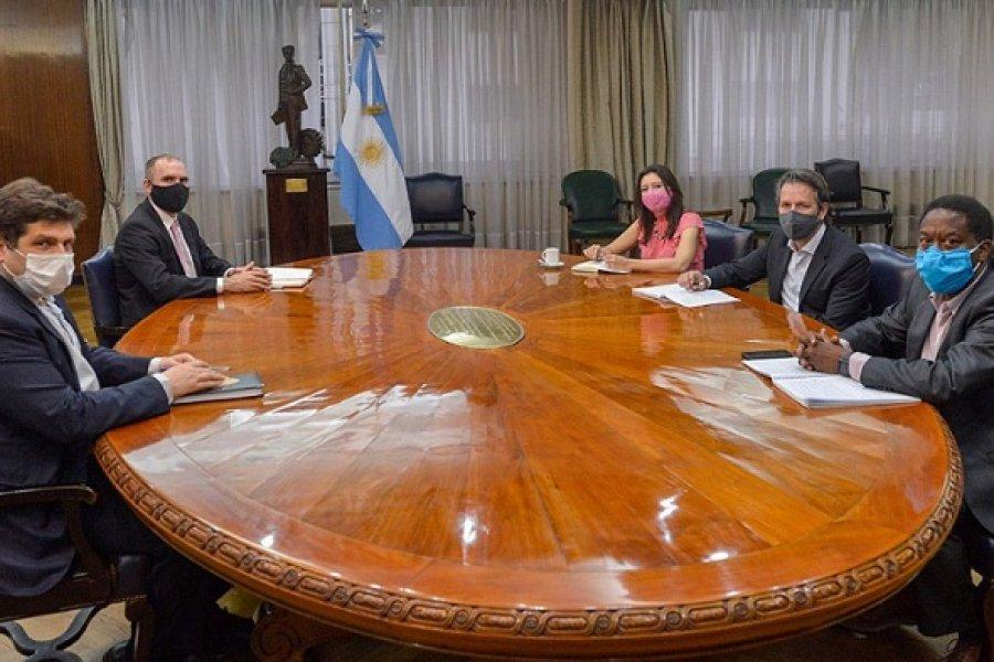El Gobierno avanza en un acuerdo con el FMI para no pagar deudas de capital ni intereses